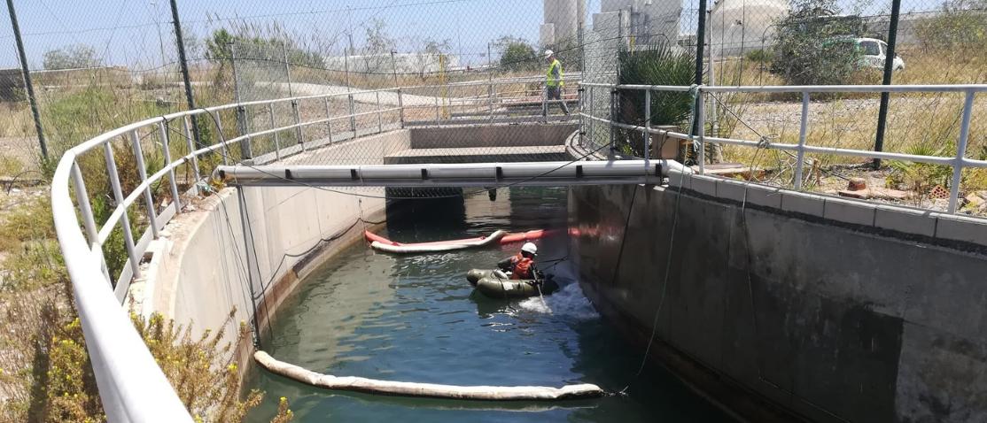 vertido-agua-industria-limpieza-servicio-medioambiental-03